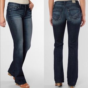 Buckle Daytrip Virgo Dark Bootcut Stretch Jeans